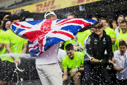 Second place Valtteri Bottas, Mercedes AMG F1, 2017 World Champion Lewis Hamilton, Mercedes AMG F1 celebrates with his team