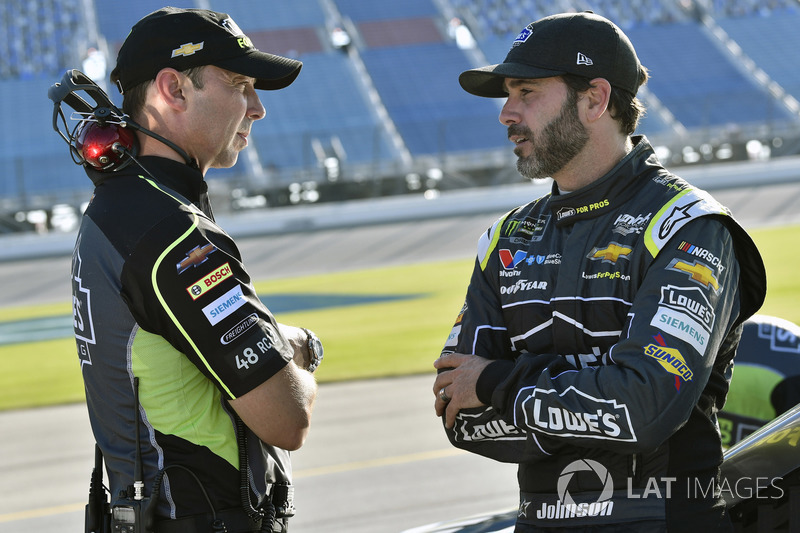Jimmie Johnson, Hendrick Motorsports, Chevrolet Camaro Lowe's for Pros e Chad Knaus