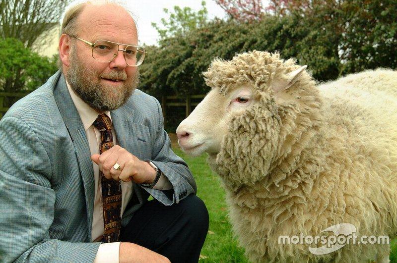 Ученые успешно клонировали овечку Долли