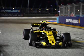 Carlos Sainz Jr., Renault Sport F1 Team R.S. 18, in griglia di partenza