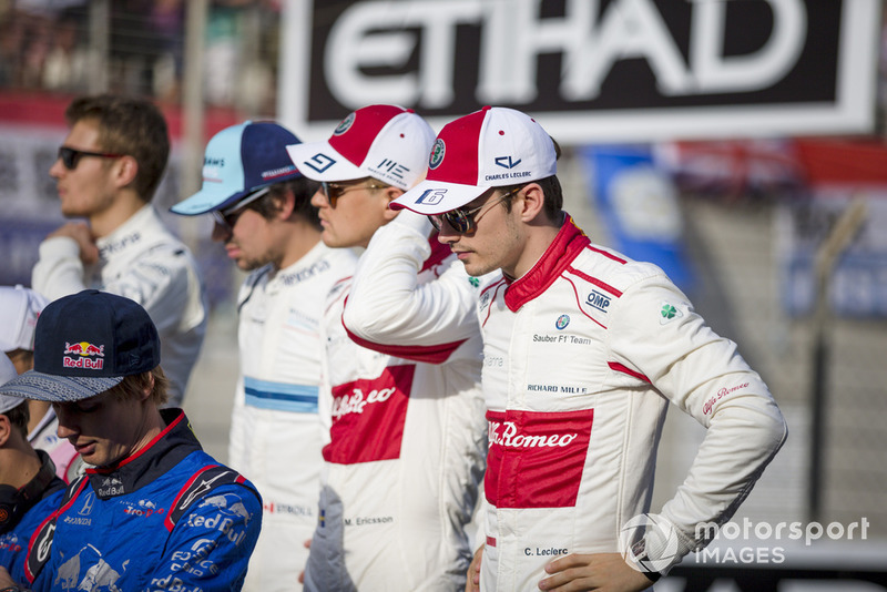 Charles Leclerc, Sauber and Marcus Ericsson, Sauber at the driver group photo