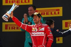Podio:  il secondo classificato Sebastian Vettel, Ferrari