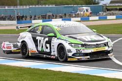 Crash: Jake Hill, Tony Gilham Racing, Volkswagen CC