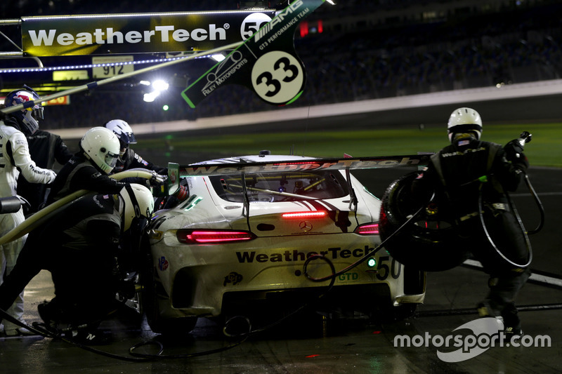Pitstop, #33 Riley Motorsports Mercedes AMG GT3: Jeroen Bleekemolen, Ben Keating, Mario Farnbacher, Adam Christodoulou