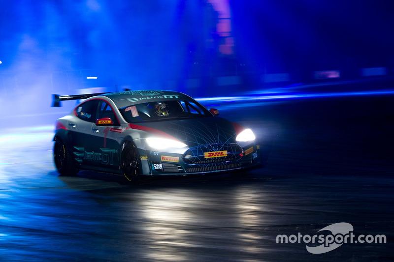 Tesla en el Live Action Arena