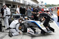 Ralf Aron, Hitech Grand Prix, Dallara F317 - Mercedes-Benz