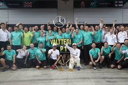 Yarış galibi Valtteri Bottas, Mercedes AMG F1, Lewis Hamilton, Mercedes AMG F1
