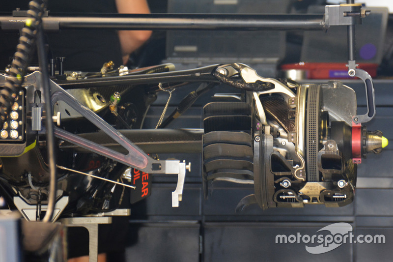 Mercedes AMG F1 W07 Hybrid, gearbox and suspension