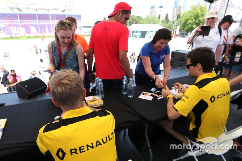 Kevin Magnussen, Renault Sport F1 Team, und Jolyon Palmer, Renault Sport F1 Team