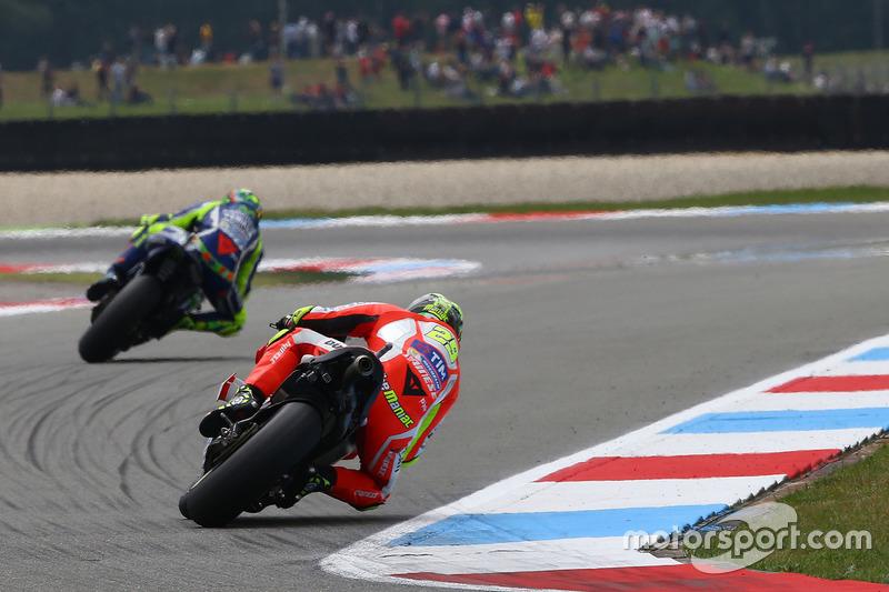 Andrea Iannone, Ducati Team and Valentino Rossi, Yamaha Factory Racing