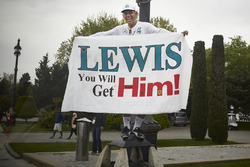 A sign of support for Lewis Hamilton, Mercedes AMG F1