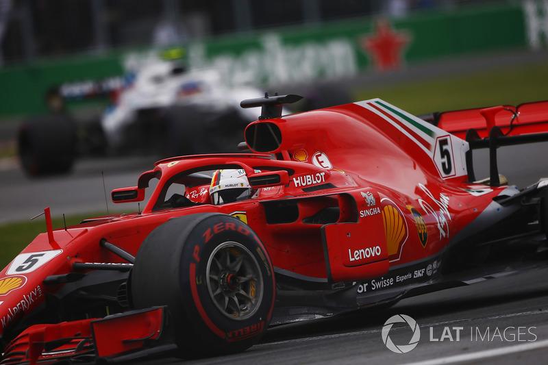 Sebastian Vettel, Ferrari SF71H, devant Sergey Sirotkin, Williams FW41