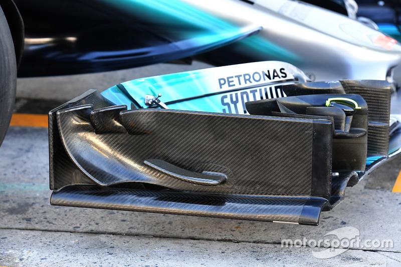 Mercedes-Benz F1 W08 ön kanat detay