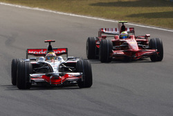 Lewis Hamilton, McLaren MP4-23 Mercedes, Felipe Massa, Ferrari F2008