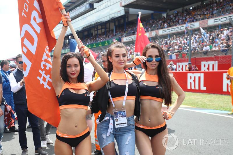 Chicas de G-Drive Racing