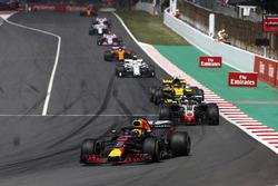 Daniel Ricciardo, Red Bull Racing RB14, Kevin Magnussen, Haas F1 Team VF-18, Carlos Sainz Jr., Renault Sport F1 Team R.S. 18, Charles Leclerc, Sauber C37