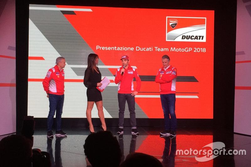Davide Tardozzi, Team Manager Ducati y Paolo Ciabatti, Director Deportivo Ducati e Michele Pirro, probador Ducati