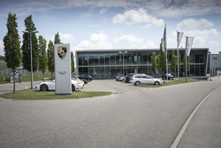 Porsche Motorsport gebouw