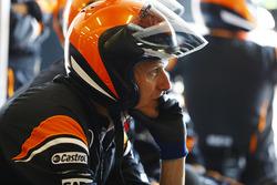 Temporada 2017 F1-australian-gp-2017-the-mclaren-pit-crew