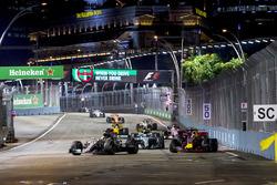 Lewis Hamilton, Mercedes AMG F1 W08, Daniel Ricciardo, Red Bull Racing RB13, Valtteri Bottas, Mercedes AMG F1 W08, Carlos Sainz Jr., Scuderia Toro Rosso STR12, Nico Hulkenberg, Renault Sport F1 Team RS17., Sergio Perez, Sahara Force India F1 VJM10 and Joly