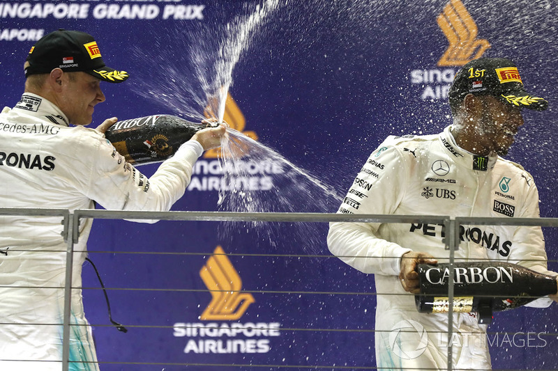 Podium: race winner Lewis Hamilton, Mercedes AMG F1, third place Valtteri Bottas, Mercedes AMG F1