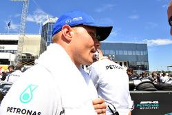 Valtteri Bottas, Mercedes AMG F1 W08 on the grid