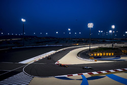 Lewis Hamilton, Mercedes AMG F1 W08; Max Verstappen, Red Bull Racing RB13; Daniel Ricciardo, Red Bull Racing RB13