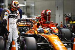 Стоффель Вандорн и Фернандо Алонсо, McLaren, Кими Райкконен, Ferrari