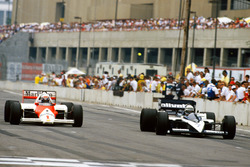 Alain Prost, McLaren MP4/2C-TAG Porsche; Riccardo Patrese, Brabham BT55-BMW