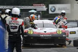 #911 Porsche Team North America Porsche 911 RSR: Patrick Pilet, Dirk Werner pit stop