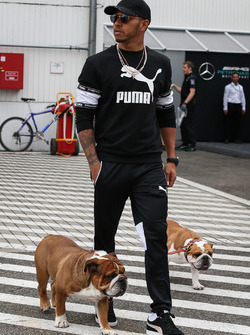 Lewis Hamilton, Mercedes AMG F1 W08 with his dogs Coco and Roscoe