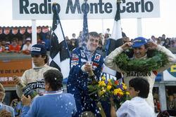 Podio: el ganador, Alain Prost, Renault, segundo clasificado, John Watson, McLaren, tercero clasificado, Nelson Piquet, Brabham