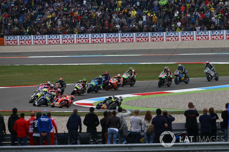 Inicio carrera de MotoGP