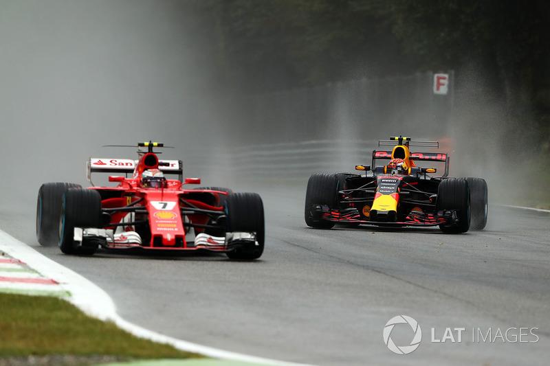 Max Verstappen, Red Bull Racing RB13 and Kimi Raikkonen, Ferrari SF70H