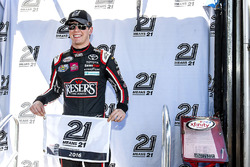 ganador de la pole: Erik Jones, Joe Gibbs Racing Toyota