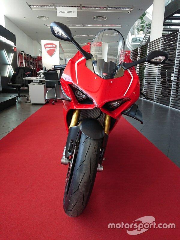 Мотоцикл Ducati Panigale V4 R
