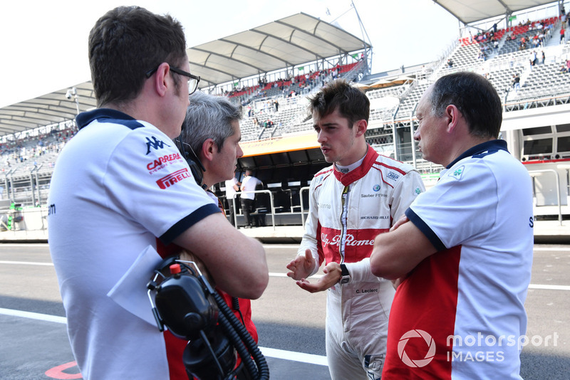 Charles Leclerc, Sauber with Xevi Pujolar, Sauber Head of Track Engineering and Frederic Vasseur, Sauber, Team Principal