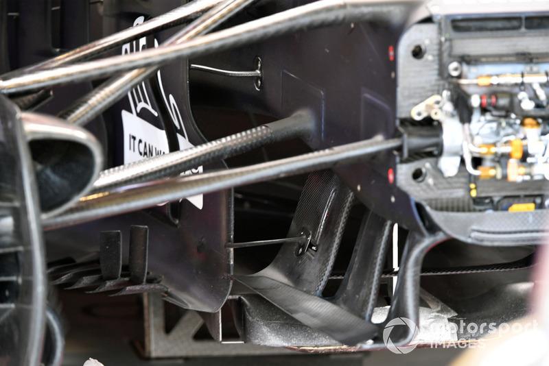 Detalle de la suspensión delantera del Red Bull RB14