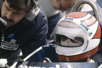 Nelson Piquet, Brabham BT50-BMW with designer Gordon Murray