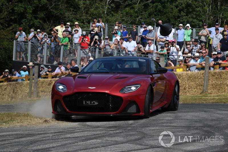 La nouvelle Aston Martin DBS Superleggera