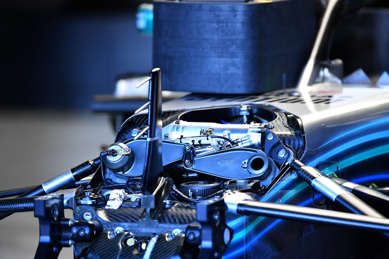 Mercedes-AMG F1 W09 ophanging voor