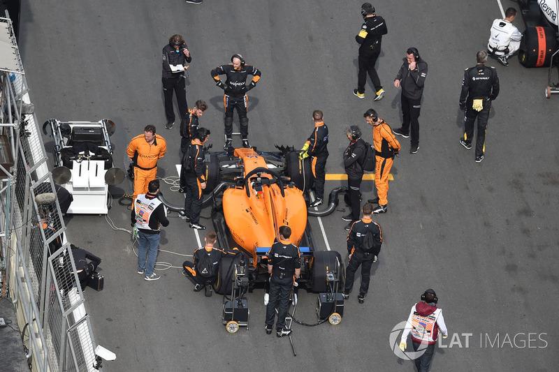 McLaren ilk dört yarışta üçüncü kez