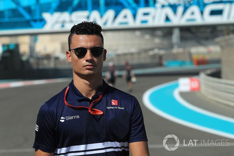 Pascal Wehrlein, Sauber walks the track