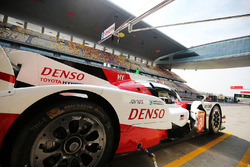 #8 Toyota Gazoo Racing Toyota TS050 Hybrid: Anthony Davidson, Sébastien Buemi, Kazuki Nakajima in th