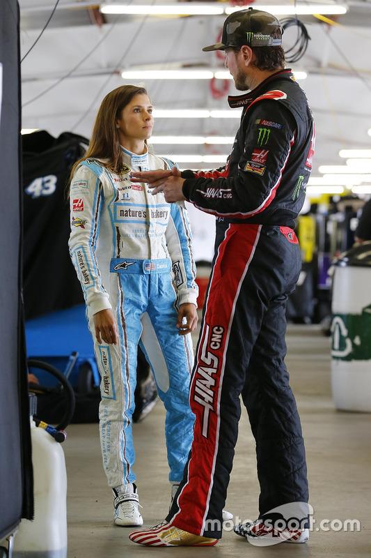 Danica Patrick, Stewart-Haas Racing Chevrolet, Kurt Busch, Stewart-Haas Racing Chevrolet