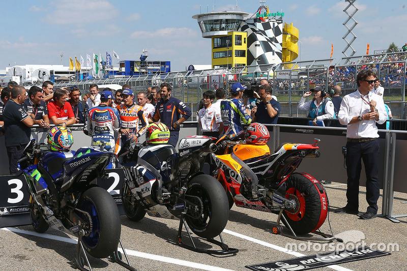 Valentino Rossi, Yamaha Factory Racing, Hector Barbera, Avintia Racing and Marc Marquez, Repsol Honda Team in parc ferme
