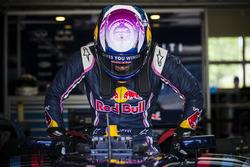 Линдси Вонн за рулём машины Формулы Renault 3.5