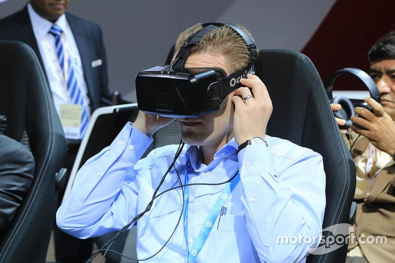 Toyota virtual reality