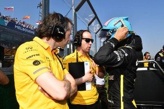 Daniel Ricciardo, Renault, on the grid