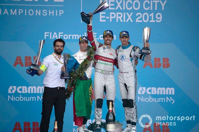 Podium group photo: Race winner Lucas Di Grassi, Audi Sport ABT Schaeffler celebrates on the podium with Antonio Felix da Costa, BMW I Andretti Motorsports, 2nd position, Edoardo Mortara, Venturi Formula E, 3rd position, his race engineer Markus Michelberger